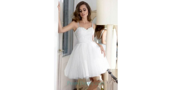 8424c335e7e Shoulder Straps Sweetheart Short White Prom Dresses Tulle Homecoming Dress  With Appliques