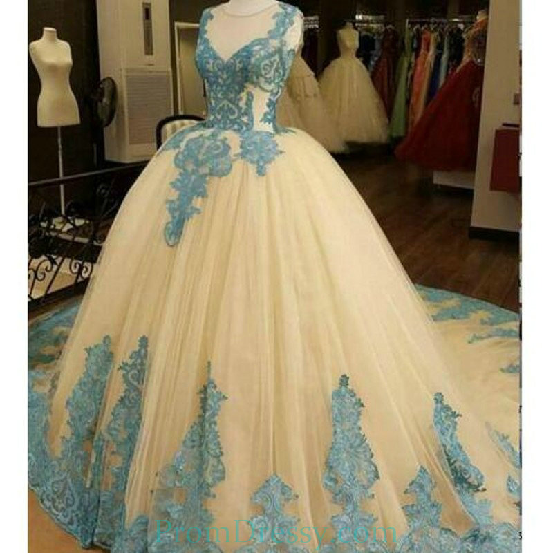 Ball Gown Tulle Prom Dresses Sheer Crew Neck Ice Blue Prom Dress ...